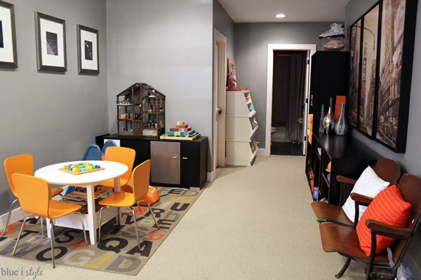 Blue i Style - Playroom In Basement Family Room
